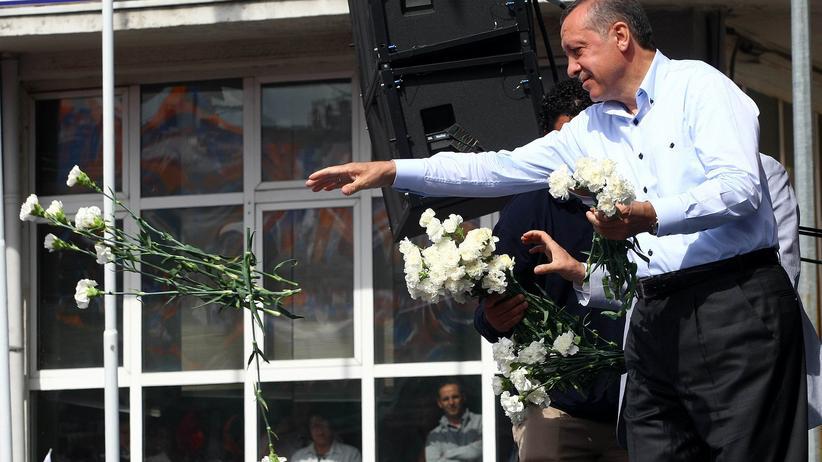 Wahlen in der Türkei: Erdoğan – Freund der Reichen, Held der Armen