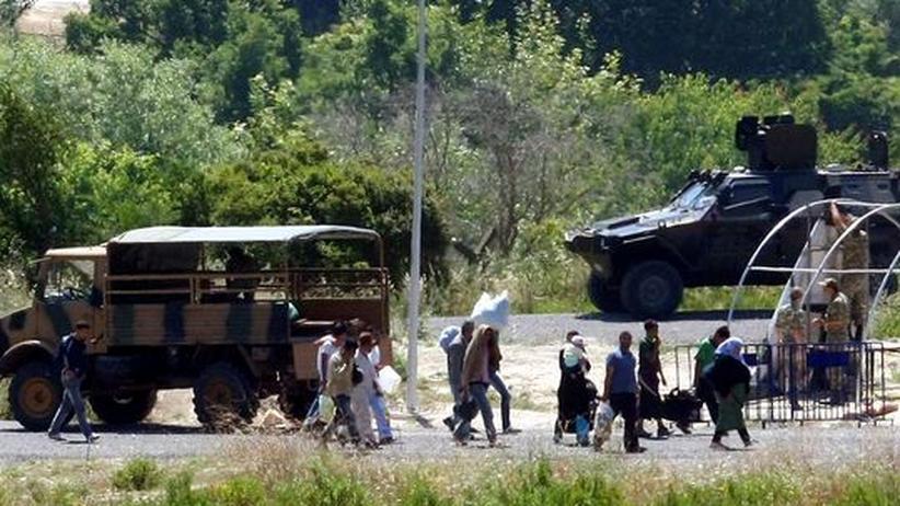 Türkisches Grenzgebiet: Syrische Flüchtlinge an der Grenze zur Türkei