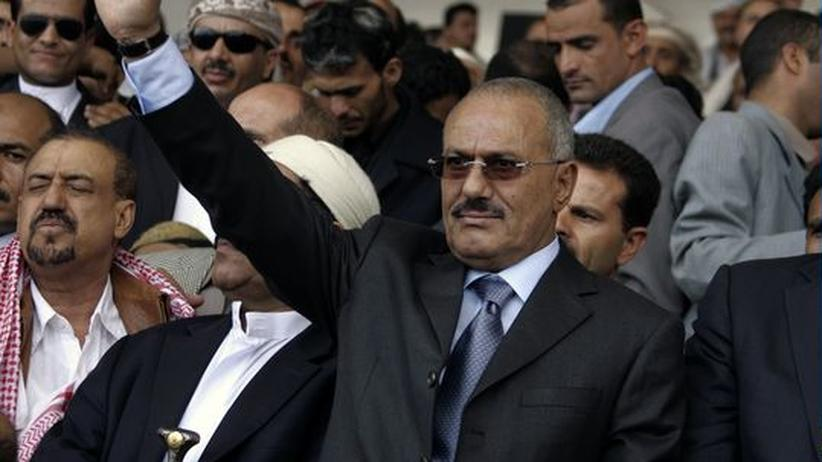 Jemen: Tausende feiern Salihs Ausreise