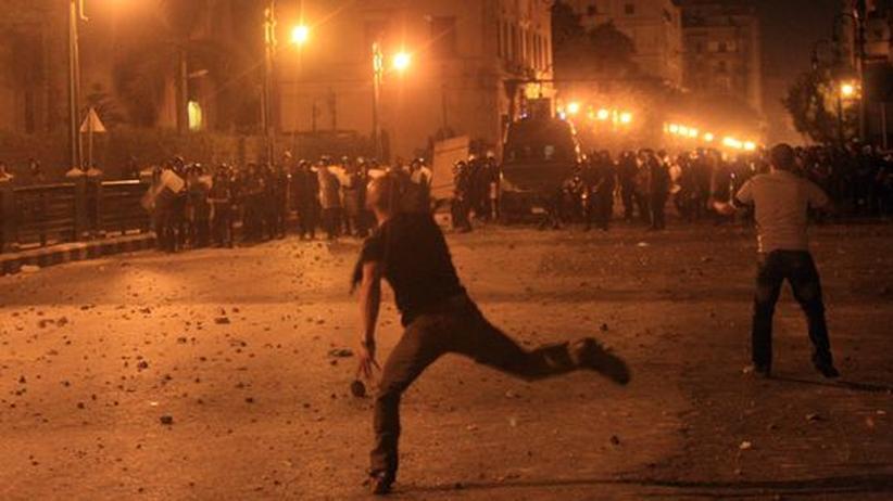 Tahrir-Platz: Polizei schießt mit Tränengas auf Kairoer Demonstranten