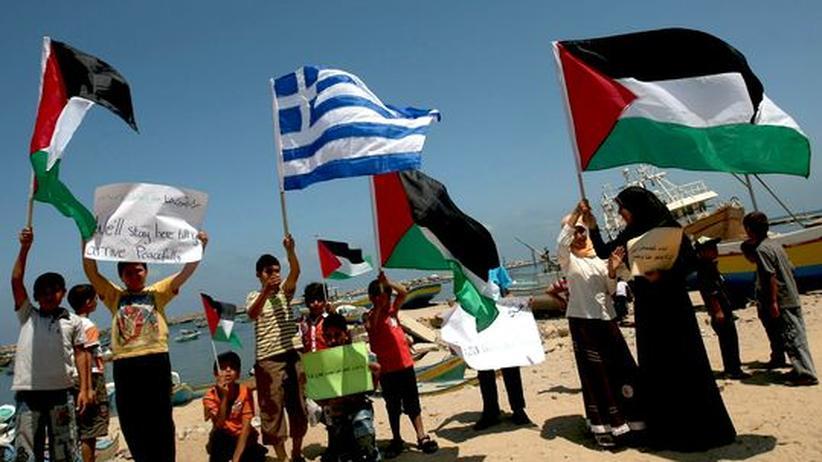 Hilfsflotte: Französisches Schiff umgeht griechische Gaza-Sperre