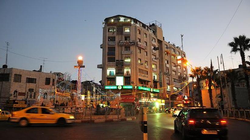 Westjordanland: EIne Straßenszene in Ramallah