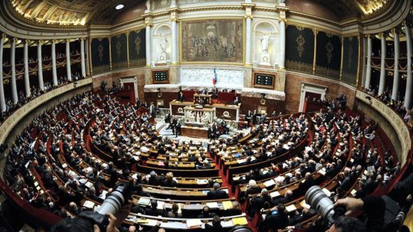 Schuldenkrise: Frankreich stimmt für erweiterten Euro-Rettungsfonds