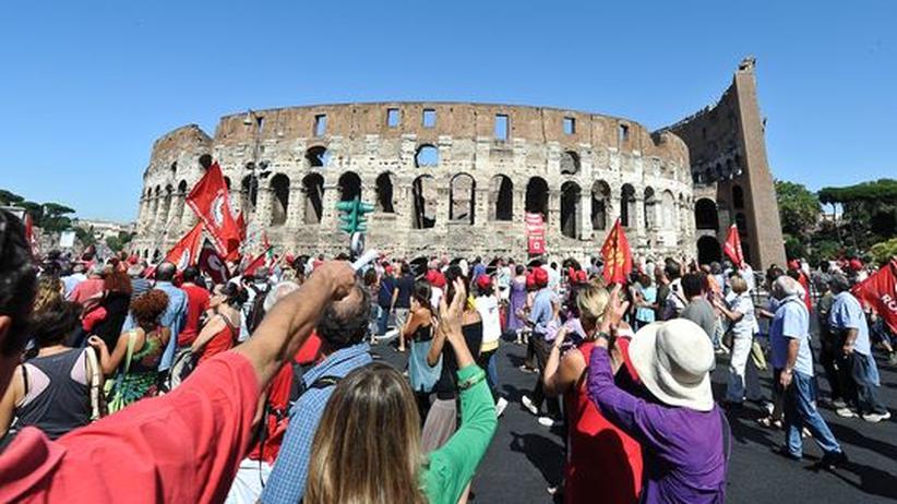 Staatsverschuldung: Italien führt nun doch die Reichensteuer ein