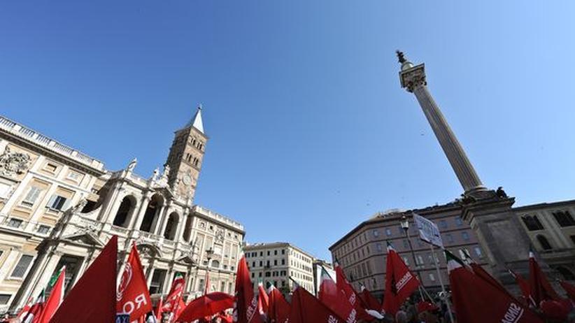 Staatsverschuldung: Zehntausende Italiener streiken gegen Sparkurs