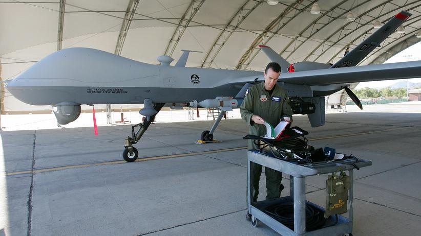Internationaler Terrorismus: Ist es richtig, Terroristen mit Drohnen zu töten?