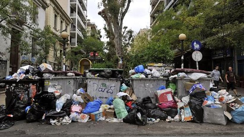 Protest gegen Sparpläne: Griechen streiken auf dem Müll-Berg