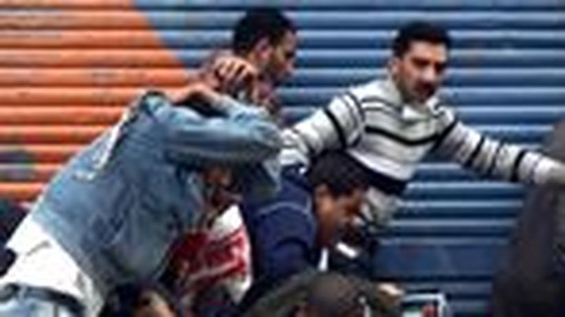 Straßenschlacht in Kairo: Ägypter kämpfen erneut gegen die alten Mächte