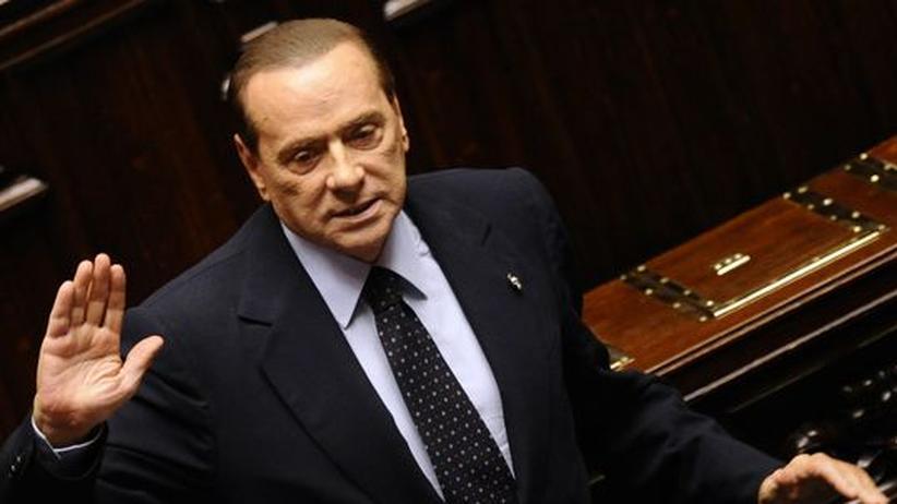 Der langjährige Premierminister Silvio Berlusconi bei seiner letzten Abstimmung im Abgeordnetenhaus in Rom