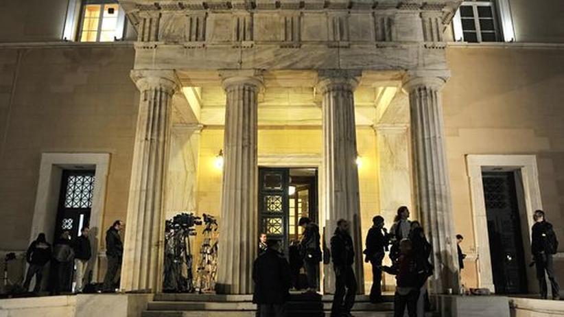 Volksabstimmung: Griechenlands Kabinett stützt Premier Papandreou