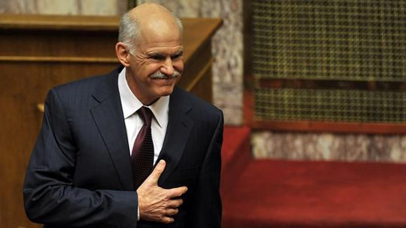 Der griechische Ministerpräsident Giorgos Papandreou nach seiner Rede im Parlament