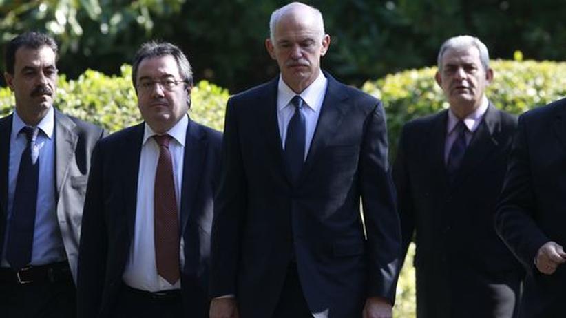 Vertrauensvotum: Lob für Papandreous Mut