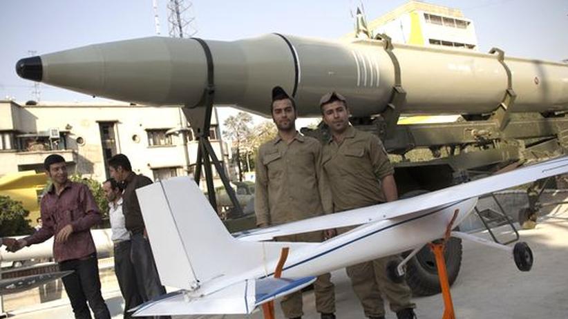 Straße von Hormus: Iran testet Raketen in Reichweite der US-Basen