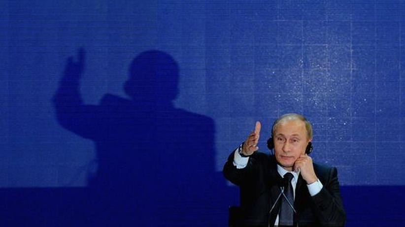 Russische Parlamentswahl: Putin beschwert sich über Clinton
