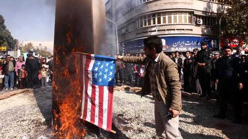Iran-Konflikt: Anti-amerikanische Proteste in Teheran