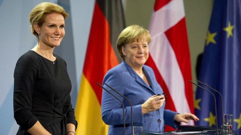 Dänemark: Dänemarks Premierministerin Helle Thorning-Schmidt mit Bundeskanzlerin Angela Merkel