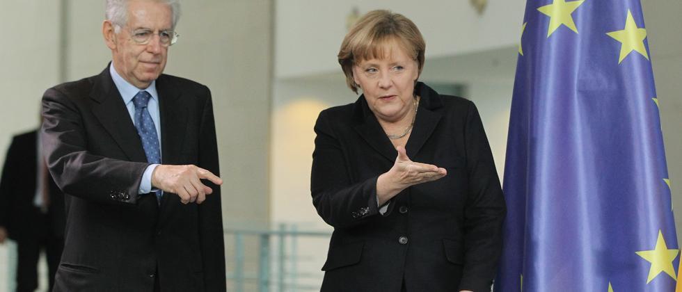 Mario Monti mit Angela Merkel