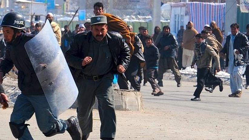 Koran-Verbrennung: Taliban rufen zur Tötung ausländischer Soldaten auf