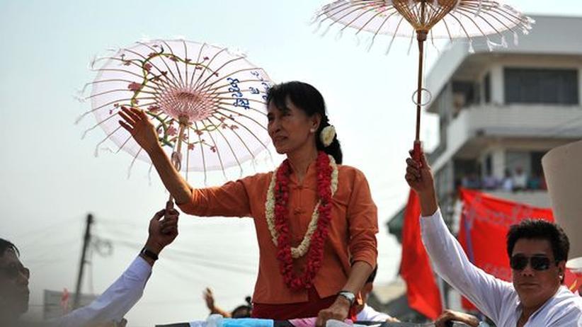 Birma: Ein Land legt neue Farbe auf