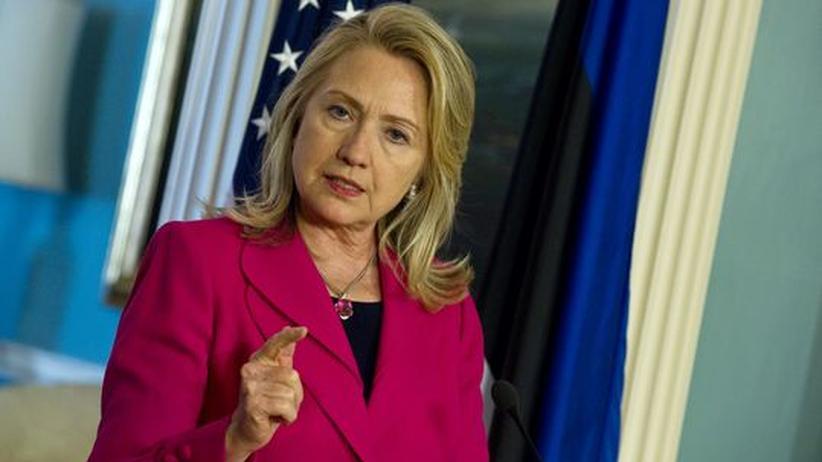 Assad-Regime: Clinton sieht Syriens Zustimmung zu Friedensplan skeptisch