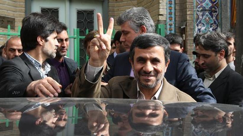 Iran: Opposition und Staatsführung streiten über Wahlbeteiligung