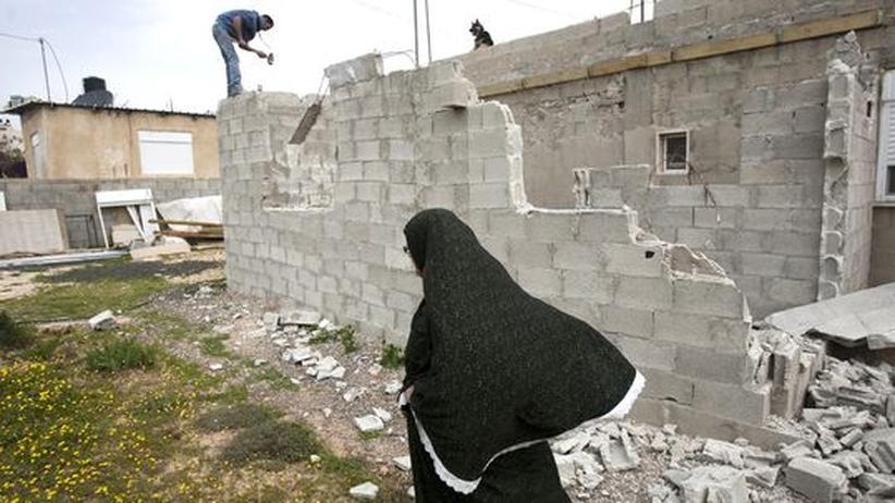 Ein Palästinenser in Ost-Jerusalem muss sein Haus abreißen.