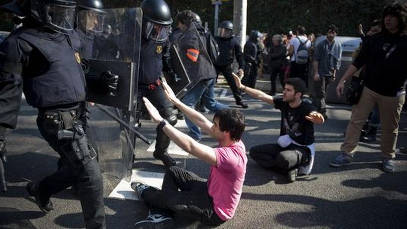 Proteste: Zehntausende Spanier demonstrieren gegen Sparpolitik