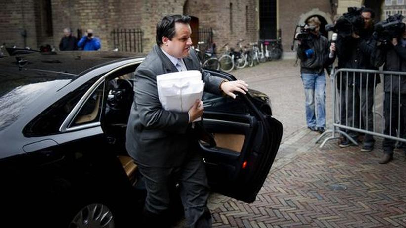 Niederlande: Der niederländische Finanzminister Jan Kees de Jager trifft im Parlament ein.