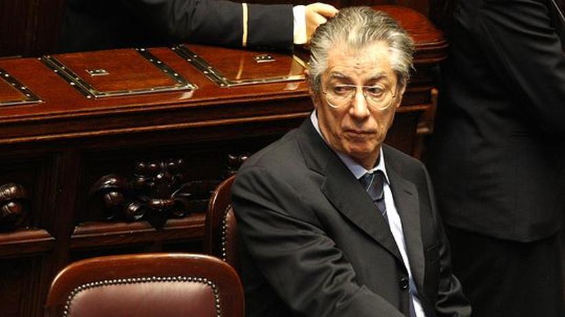 Italien: Lega-Nord-Chef Bossi tritt zurück