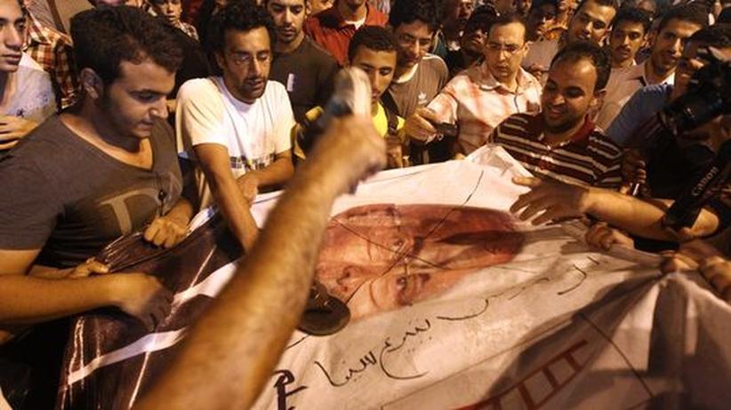 Ägypten: Schafik-Gegner stürmen Wahlkampfzentrale