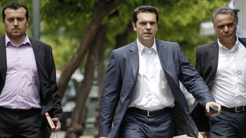 Regierungsbildung: Der Vorsitzende der Radikalen Linken, Alexis Tsipras (Mitte)