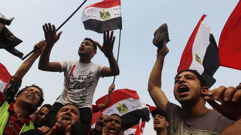 Anhänger der Muslimbruderschaft auf dem Tahrir-Platz nach der Verkündung der Wahlergebnisse