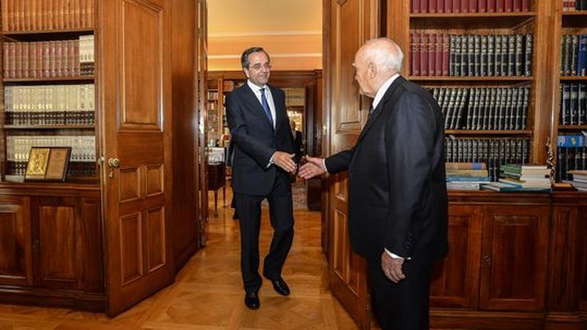 Regierungsbildung: Der neue Ministerpräsident Antonis Samaras (links) bei Griechenlands Staatspräsident Karolos Papoulias