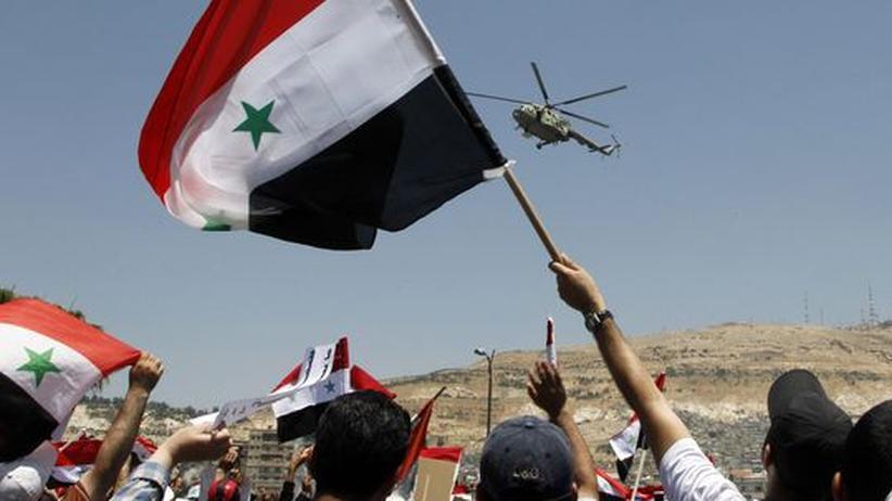 Syrien: Clinton kritisiert Russland wegen Helikopter-Lieferungen an Syrien