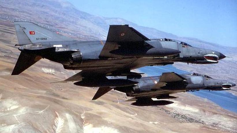 Luftwaffe: Türkische F 4 stürzt vor syrischer Küste ab