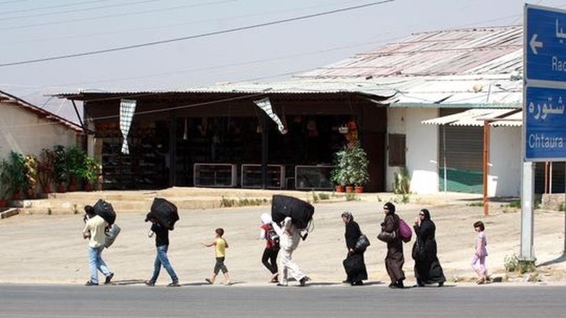 Bürgerkrieg: Zehntausende Syrer fliehen vor Gefechten