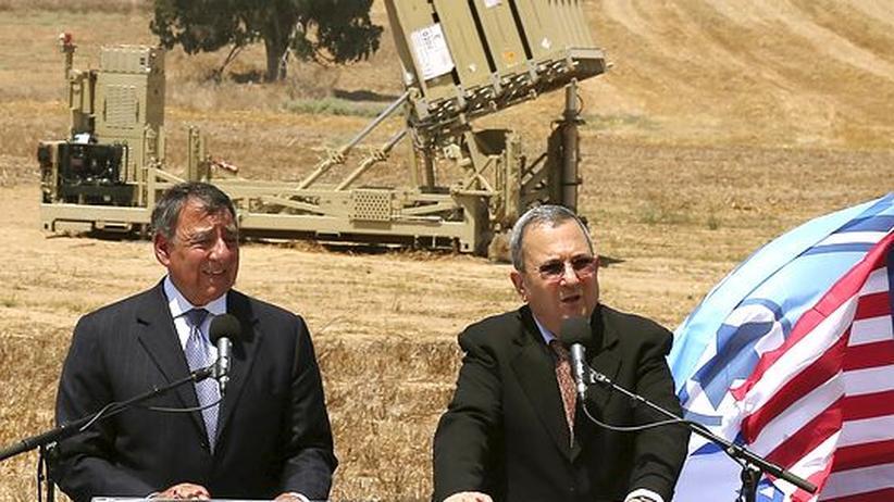 Atomkonflikt: Verteidigungsminister Ehud Barak und sein US-Amtskollege Leon Panetta (l.) bei Ihrem Treffen am 1. August