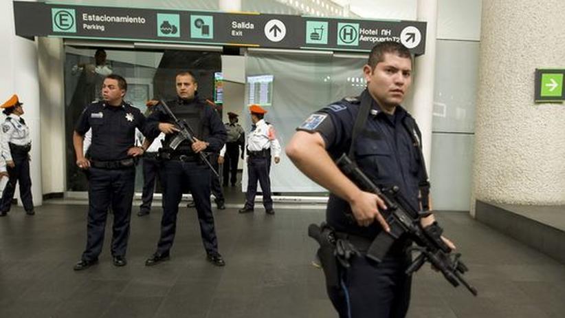 Drogenkrieg: Mexiko-Stadt tauscht komplette Flughafen-Polizei aus