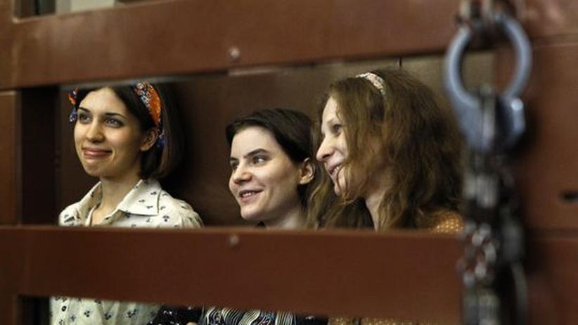 Russland: Urteil im Pussy-Riot-Prozess verschoben