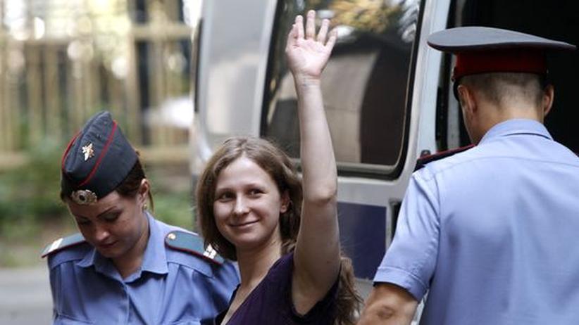 Russland: Putin für milde Strafen im Pussy-Riot-Prozess