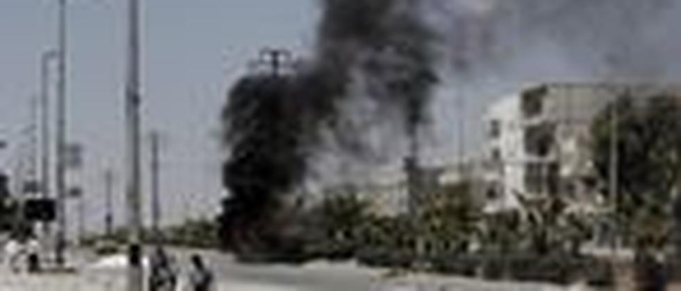 Eine Straße in der syrischen Stadt Aleppo. Hier lieferten sich Rebellen und Truppen der Regierung weiter Kämpfe.