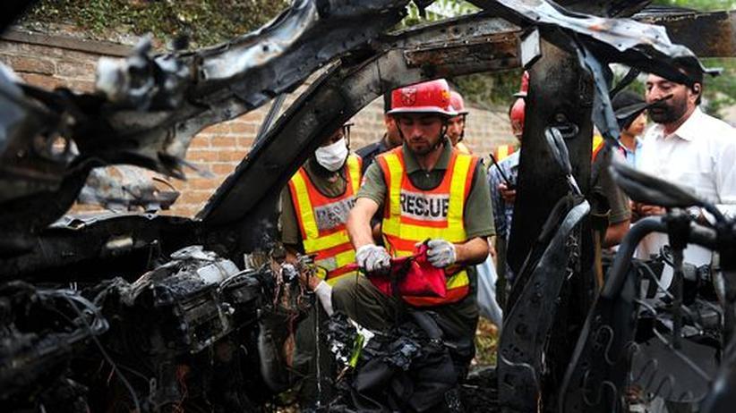 Pakistan: Selbstmordattentäter greifen Fahrzeug des US-Konsulats an