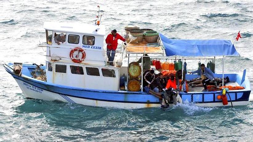Menschenhandel: Flüchtlingsboot zerschellt vor türkischer Küste
