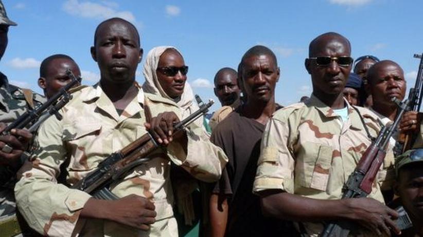 Mali: In der malischen Stadt Mopti bildet das Militär Zivilisten für den Kampf gegen die Islamisten aus.