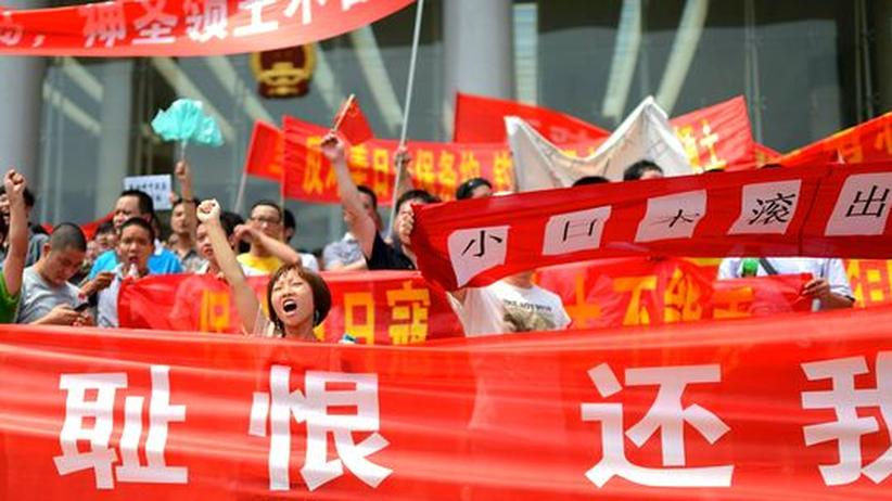 Proteste gegen Japans Außenpolitik in der chinesischen Stadt Hangzhou