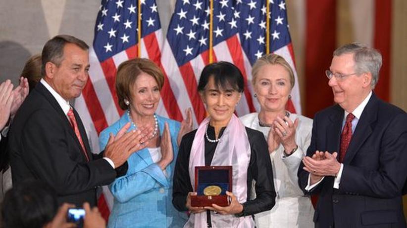 Demokratisierung: US-Kongress ehrt Aung San Suu Kyi mit Goldmedaille