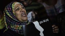 Eine Frau protestiert am 4. Oktober vor dem Präsidentenpalast in Kairo für Frauenrechte in der neuen Verfassung.