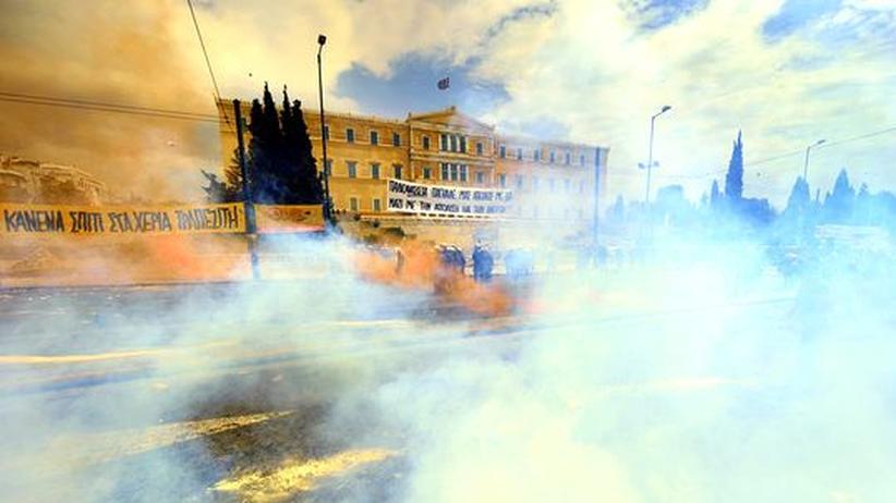 Proteste vor dem griechischen Parlament in Athen