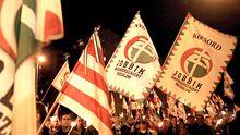 Anhänger der Jobbik-Partei demonstrieren in Miskolc