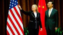 US-Außenministerin Clinton im September zu Besuch in Peking, empfangen von ihrem chinesischen Amtskollegen Yang Jieche